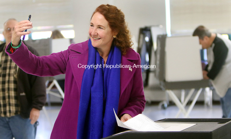 CHESHIRE CT. 08 November 2016-110816SV01-Rep. Elizabeth H. Esty, D-5th District takes a selfie while voting at Cheshire High School in Cheshire Tuesday.<br /> Steven Valenti Republican-American