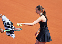 France, Paris , May 27, 2015, Tennis, Roland Garros, Ballgirl<br /> Photo: Tennisimages/Henk Koster