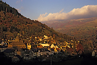 Europe/France/Auvergne/15/Cantal/Thiezac : Le Plomb du Cantal et le village