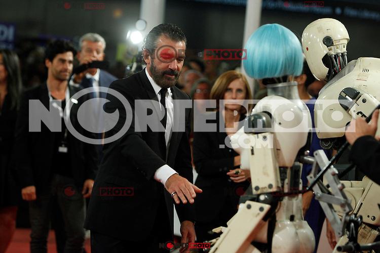Spanish actor Antonio Banderas poses for the photographers during the red carpet of his film 'Automata' during the 62st San Sebastian Film Festival in San Sebastian, Spain. September 21, 2014. (ALTERPHOTOS/Caro Marin)