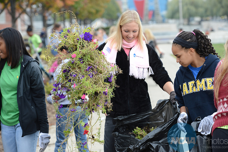 13 OCT 2012: The 2012 Woman of the Year garden planting event in Indianapolis, IN. Stephen Nowland/NCAA Photos