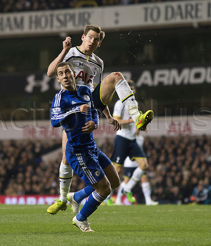 01.01.2015.  London, England. Barclays Premier League. Tottenham versus Chelsea. Chelsea's Eden Hazard and Tottenham Hotspur's Jan Vertonghen challenge for the ball.