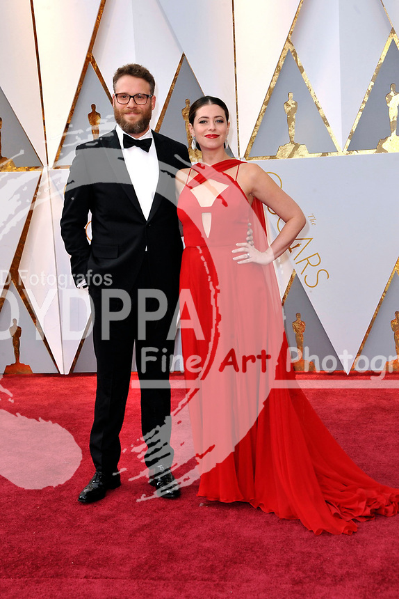 Seth Rogen and his wife Lauren Miller attend the 89th Annual Academy Awards at Hollywood & Highland Center on February 26, 2017 in Hollywood, California.