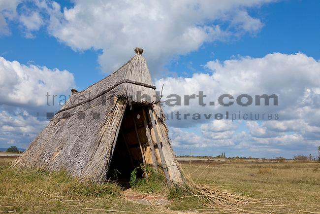 Strohhütte, straw hut, Illmitz, Nationalpark Neusiedlersee, Seewinkel, Bezirk Neusiedl am See, Burgenland, Austria, Österreich.