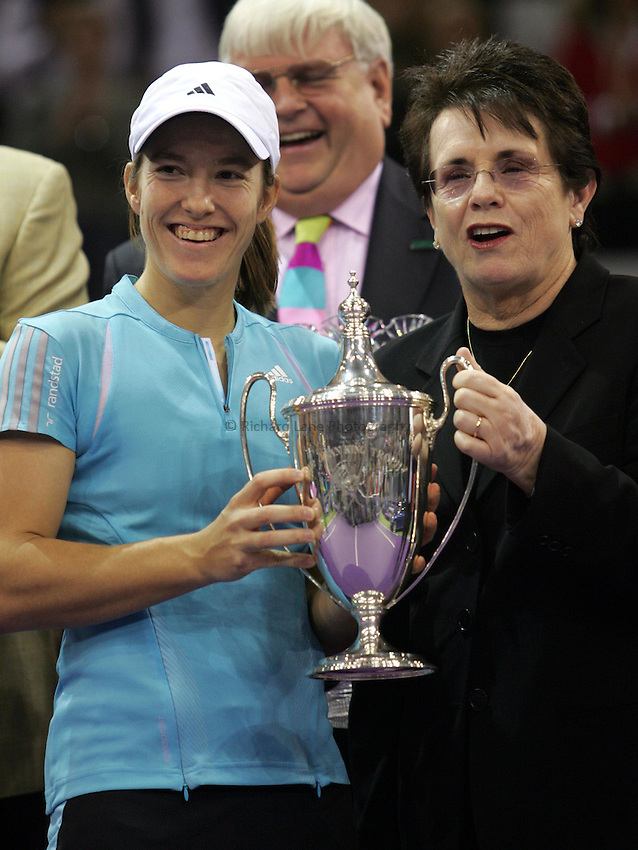 Photo: Cesar Cebolla..Sony Ericsson Championship Final. 12/11/2006.Amelie Moresmo (FRA) v  Justinne Henin-Hardene (BEL)..Justinne Henin-Hardene receives the trophy from Billy-Jean King.
