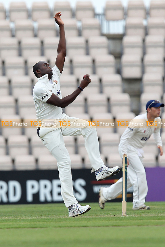 Maurice Chambers in bowling action for Essex - Hampshire CCC vs Essex CCC - LV County Championship Division Two Cricket at the Aegas Bowl, Southampton - 04/09/12 - MANDATORY CREDIT: Gavin Ellis/TGSPHOTO - Self billing applies where appropriate - 0845 094 6026 - contact@tgsphoto.co.uk - NO UNPAID USE.