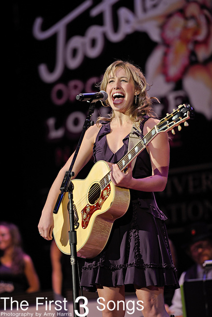 JOANNA SMITH performs at the Ryman Auditorium for Tootsie's Orchid Lounge 50th Anniversary Celebration in Nashville, Tennessee on November 8, 2010.