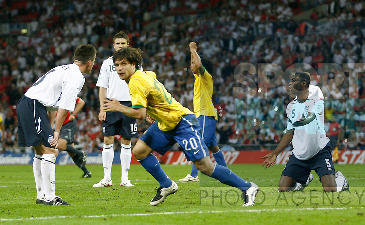 Brazil's Diego turns to celebrate his equalising goal..International Friendly..England v Brazil..1st June, 2007..--------------------..Sportimage +44 7980659747..admin@sportimage.co.uk..http://www.sportimage.co.uk/