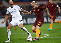 Calcio, Europa League, Gguppo E: Roma vs Austria Vienna. Roma, stadio Olimpico, 20 ottobre 2016.<br /> Roma's Radja Nainggolan, right, is challenged by Austria Wien's Raphael Holzhauser during the Europa League Group E soccer match between Roma and Austria Wien, at Rome's Olympic stadium, 20 October 2016. The game ended 3-3.<br /> UPDATE IMAGES PRESS/Isabella Bonotto