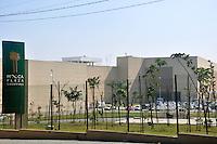 SAO PAULO, SP, 27 DE JUNHO 2012 – Prefeitura anuncia fechamento do Mooca Plaza Shopping por falta de alvara de funcionamento. A interdicao ocorrera ate o dia 21 de julho, conforme Secretaria Municipal de Coordenacao das Subprefeituras. (FOTO: THAIS RIBEIRO / BRAZIL PHOTO PRESS).