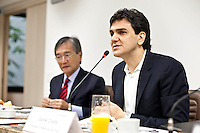 SAO PAULO, 24 DE JULHO DE 2012 - CAMPANHA CHALITA - O candidado a prefeito de São Paulo Gabriel Chalita (PMDB) visitounesta terça, oSindicato da Indústria da Construção Civil de São Paulo. O SindusCon-SP,presidido por Sergio Tiaki Watanabe. Entre ostemas em pauta estãoas políticas de habitação eobras públicas e a atividade imobiliária.<br /> FOTO VAGNER CAMPOS BRAZIL PHOTO PRESS