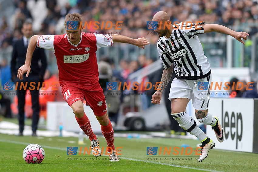 Simone Zaza Juventus, Simone Romagnoli Carpi <br /> Torino 01-05-2016 Juventus Stadium Football Calcio Serie A 2015/2016 Juventus - Carpi. Foto Filippo Alfero / Insidefoto