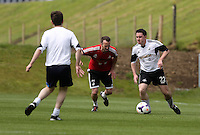 Pictured: Chris Wathan (R). Tuesday 06 May 2014<br />
