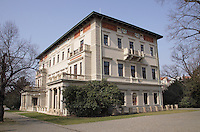 The park's most notable landmark is the beautiful Villa Gr&ouml;be (Gr&eacute;bovka). This wonderful example of a Neo-Renaissance villa was built as a luxury summer house for industrialist Moritz Gr&ouml;be in 1871 - 1888. The house stands majestically in a tastefully landscaped, terraced garden on the top of a slope that's covered with a functioning vineyard. The villa is currently not open to the public but you can visit the grounds and enjoy a sweeping view of Prague from the hill. There's a gazebo on the top of the vineyard where you can sit and have wine.<br /> <br /> The park is large and very nicely designed, so it is a pleasure to walk along its many paths.