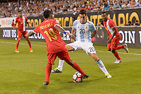 Chicago, IL, USA - Friday, June 10, 2016: Panama midfielder Alberto Quintero (19) and Argentina midfielder Nicolas Gaitan (20) during a Copa America Centenario Group D match between Argentina (ARG) and Panama (PAN) at Soldier Field. Argentina won 5-0.