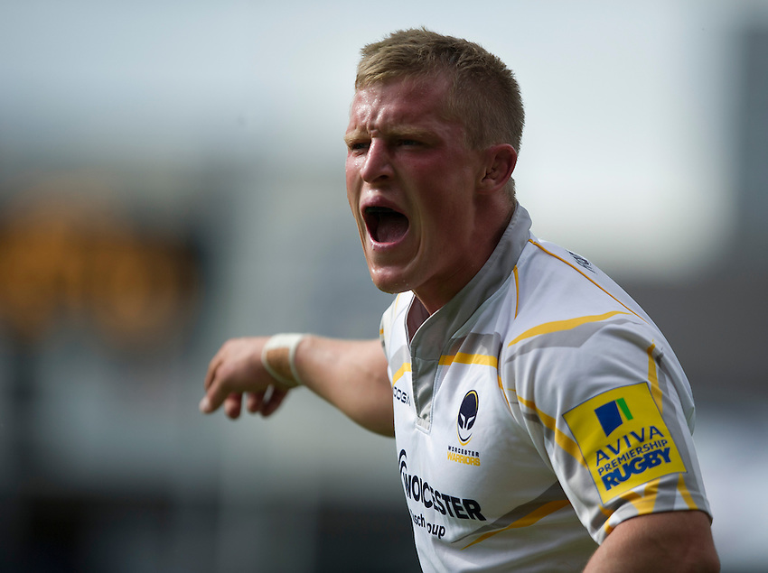 Worcester Warriors' Jake Abbott shouts instructions to his team-mates<br /> <br /> Photo by Stephen White/CameraSport<br /> <br /> Rugby Union - Aviva Premiership - Leicester Tigers v Worcester Warriors - Sunday 8th September 2013 - Welford Road - Leicester<br /> <br /> &copy; CameraSport - 43 Linden Ave. Countesthorpe. Leicester. England. LE8 5PG - Tel: +44 (0) 116 277 4147 - admin@camerasport.com - www.camerasport.com
