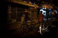 Street shots of north India. Photo by Suzanne Lee Night street scenes, Lucknow, Uttar Pradesh,