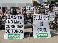 MEDELLÍN - COLOMBIA, 21-02-2015. Cientos de personas acuadieron a la marcha Antitaurina convocada para este sábado 21 de febrero de 2015 en el Parque de los Deseos; allí recrearon con sus sus cuerpos pintados a un toro con banderillas./ Hundred of people came to tha anti bullfighter protest this saturday 21 february 2015 at parque de los Deseos; there, they recreated with their painted bodies a bull with banderillas.  Photo: VizzorImage/ León Monsalve /STR