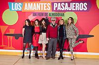 """MADRI, ESPANHA, 06 DE MARÇO 2013 - PHOTOCALL LOS AMANTES PASAJEROS -  O diretor espanhol Pedro Almodóvar durante sessão de fotos para divulgar o filme """"Los Amantes Pasajeros no Edifício Telefonica Gran Via em Madri capital da Espanha, nesta quarta-feira, 06. (FOTO: MIGUEL CORDOBA / ALFAQUI / BRAZIL PHOTO PRESS)."""