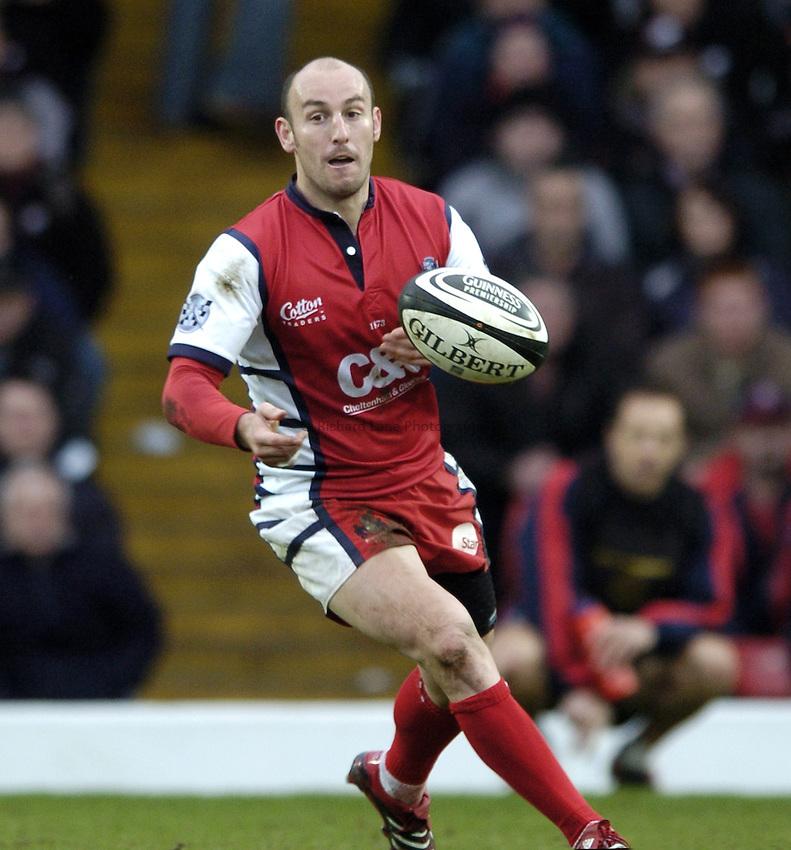 Photo: Jonathan Butler..Saracens v Gloucester Rugby. Guinness Premiership. 18/02/2007..Ludovic Mercier of Gloucester.