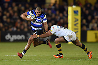 Jonathan Joseph of Bath Rugby takes on the Wasps defence. Aviva Premiership match, between Bath Rugby and Wasps on December 29, 2017 at the Recreation Ground in Bath, England. Photo by: Patrick Khachfe / Onside Images