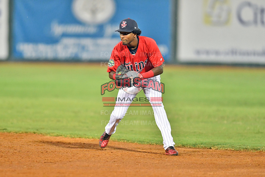 Elizabethton Twins shortstop Yeltsin Encarnacion (17) fields the ball during game two of the Appalachian League Championship Series against the Princeton Rays at Joe O'Brien Field on September 5, 2018 in Elizabethton, Tennessee. The Twins defeated the Rays 2-1 to win the Appalachian League Championship. (Tony Farlow/Four Seam Images)