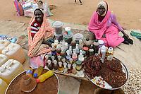 CHAD, Goz Beida, market, women sell perfume, fragrance and essentials / TSCHAD, Goz Beida, Markt, Frauen verkaufen Parfum und aetherische Oele