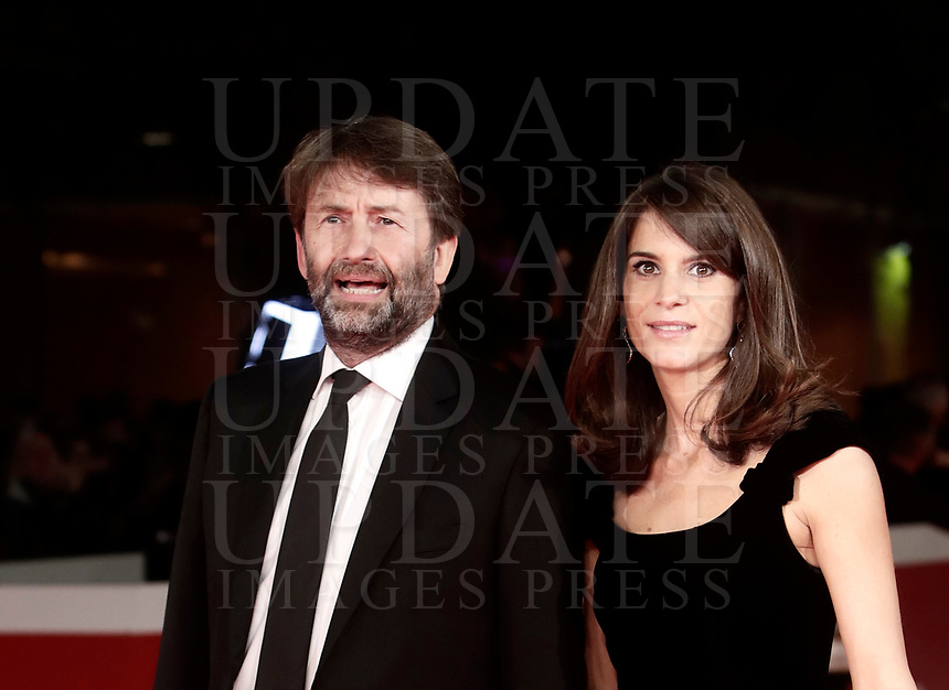 Il Ministro italiano dei beni e delle attività culturali Dario Franceschini (s) e sua moglie Michela Di Biase (d) posano sul red carpet di apertura della 12° edizione della Festa del Cinema di Roma, 26 ottobre 2017.<br /> Italian Minister of Cultural Heritage Dario Franceschini (l) and his wife Michela Di Biase (r) pose on the 12th Rome Film Festival opening red carpet in Rome, October 26, 2017.<br /> UPDATE IMAGES PRESS/Isabella Bonotto