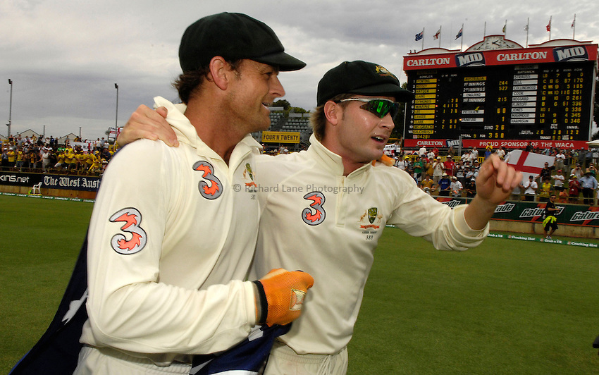 Photo: Steve Holland..Australia v England. 3 mobile Test Series, The Ashes 2006/07, 3rd Test. 18/12/2006..Australia's Michael Clarke (R) and Adam Gilchrist celebrate victory.