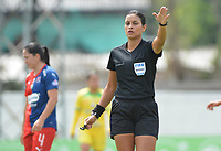 MEDELLIN - COLOMBIA, 15-09-2019: Viviana Muñoz, arbitro, durante partido por la semifinal vuelta entre Deportivo Independiente Medellín y Atlético Huila como parte de la Liga Femenina Águila 2019 jugado en el estadio Polideportivo Sur de la ciudad de Medellín. / Viviana Muñoz, referee, during Match for the second leg semifinal between Deportivo Independiente Medellin and Atletico Huila as part Aguila Women League 2019 played at Polideportivo Sur stadium in Medellin city. Photo: VizzorImage / Leon Monsalve / Cont