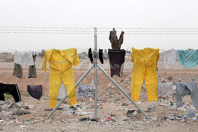 11/10/2014 -- Kirkuk, Iraq -- Clothes drying in front of the garage in Kornish street.
