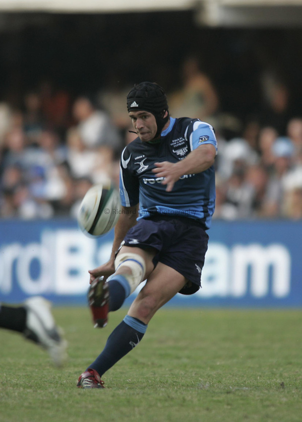 Photo: Africa Visuals/Sportsbeat Images..Bulls v Sharks. Super 14 Final. 19/05/2007. Derick Hougaard of the Bulls kicks.