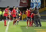 El club mexicano Tijuana debutó este martes en la Copa Libertadores de América-2013 con una victoria 1-0 sobre Millonarios en Bogotá, por la primera fecha del Grupo 5.Los 'perros aztecas' ganaron por la mínima diferencia en el estadio El Campín gracias a la diana del atacante mexicano Richard Ruíz, al minuto 62.