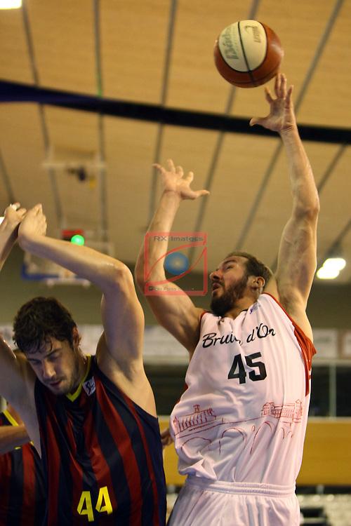 Regal XXXV Llia Nacional Catalana ACB 2014-Semifinals.<br /> FC Barcelona vs La Bruixa d'Or Manresa: 82-66.<br /> Ante Tomic vs Andrew James Ogilvy.