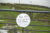 All dogs on leads sign.