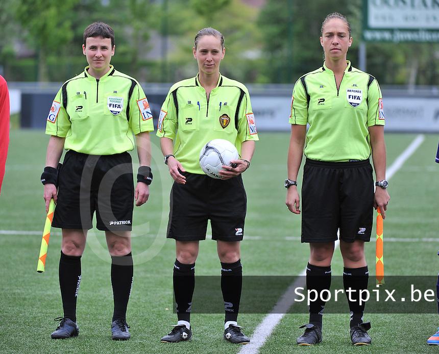 AA Gent Ladies U16 - RSC Anderlecht : Ella De Vries , Hannelore Onsia en Sharon Sluyts.foto DAVID CATRY / Nikonpro.be