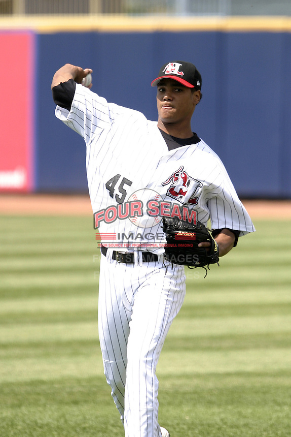 Hickory Crawdads Luis Munoz before the South Atlantic League All-Star game at Classic Park on June 20, 2006 in Eastlake, Ohio.  (Mike Janes/Four Seam Images)