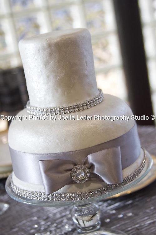 Groovy Sweet Dreams Wedding Cakes Flowers Joelle Leder Photography Studio Funny Birthday Cards Online Alyptdamsfinfo