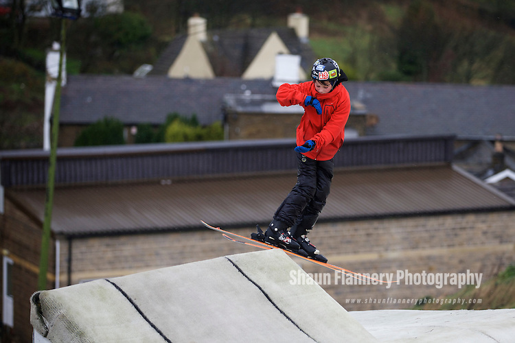 Pix: Shaun Flannery/shaunflanneryphotography.com<br /> <br /> COPYRIGHT PICTURE&gt;&gt;SHAUN FLANNERY&gt;01302-570814&gt;&gt;07778315553&gt;&gt;<br /> <br /> 14th December 2014<br /> Freekski Camp - Halifax Ski and Snowboard Centre<br /> Jacob Watson