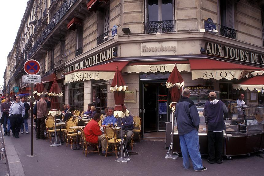 AJ0769, Paris, France, Europe, outdoor cafe, Ile de la Cite, Aux Tours de Notre Dame cafe-brasserie in Paris.