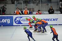 SCHAATSEN: DORDRECHT: Sportboulevard, Korean Air ISU World Cup Finale, 12-02-2012, Final Relay Men, Sjinkie Knegt NED (62), Niels Kerstholt NED (61), Olivier Jean CAN (8), Francois-Louis Tremblay CAN (10), Yoon-Gy Kwak KOR (51), Jung-Su Lee KOR (53), ©foto: Martin de Jong