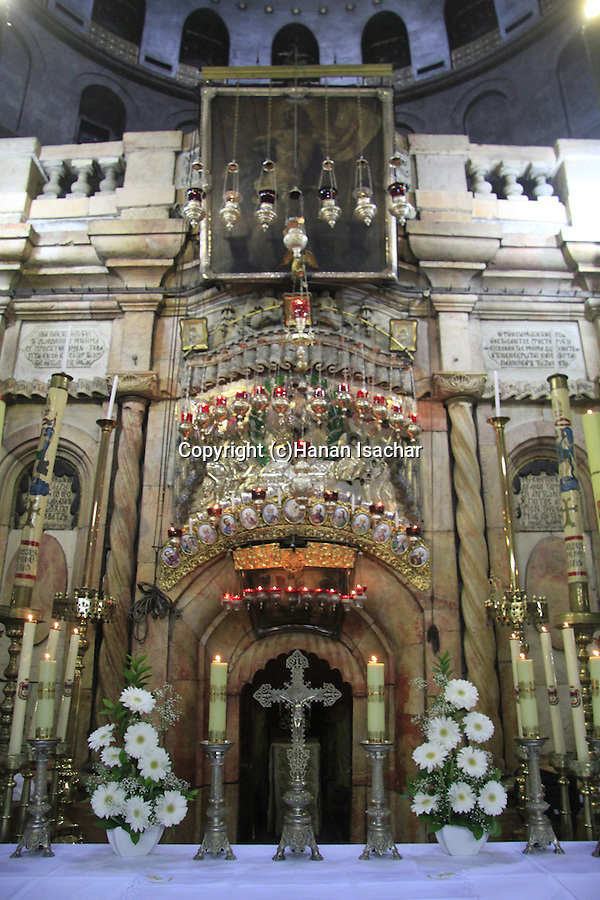 Israel, Jerusalem, the altar in front of the Edicule at the Church of the Holy Sepulchre on Holy Thursday