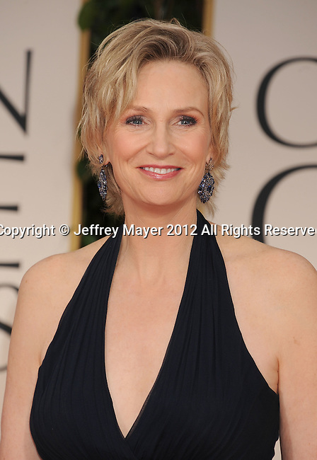BEVERLY HILLS, CA - JANUARY 15: Jane Lynch arrives at the 69th Annual Golden Globe Awards held at the Beverly Hilton Hotel on January 15, 2012 in Beverly Hills, California.