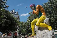 France, Paris, 75011, Ménilmontant, Esplanade Roger Linet,   statue du Répit du travailleur de Jules Pendariès,
