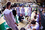 Södertälje 2013-02-23 Basket Basketligan , Södertälje Kings - Sundsvall Dragons :  .Sundsvall coach Peter Öqvist under en timeout med laget.(Byline: Foto: Kenta Jönsson) Nyckelord:  porträtt portrait