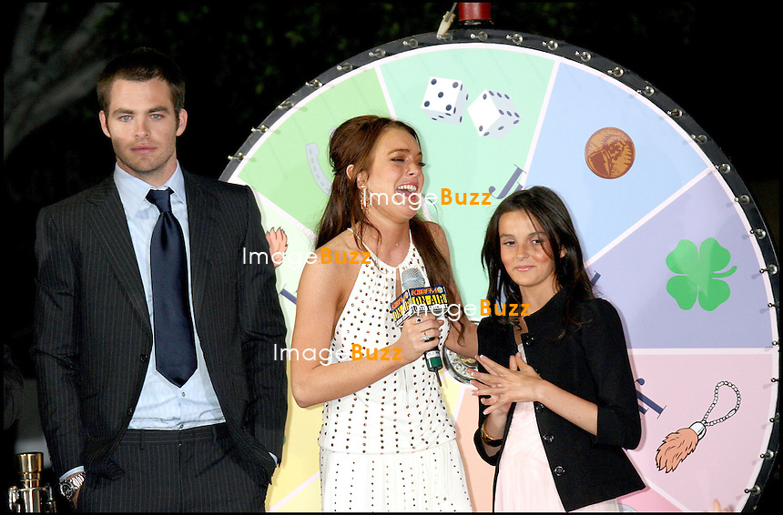 "CHRIS PINE, LINDSAY LOHAN, SA SOEUR ALIANA - PREMIERE DE ""JUST MY LUCK"" A LOS ANGEMES.."" JUST MY LUCK "" MOVIE PREMIERE AT THE MANN NATIONAL THEATER IN WESTWOOD.. LOS ANGELES"