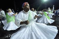 SÃO PAULO, SP, 15 DE JANEIRO DE 2012 - ENSAIO UNIDOS DE VILA MARIA - Ensaio técnico da Escola de Unidos de Vila Maria na praparação para o Carnaval 2012. O ensaio foi realizado na madrugada deste domingo, no Sambódromo do Anhembi, zona norte da cidade. FOTO LEVI BIANCO - NEWS FREE