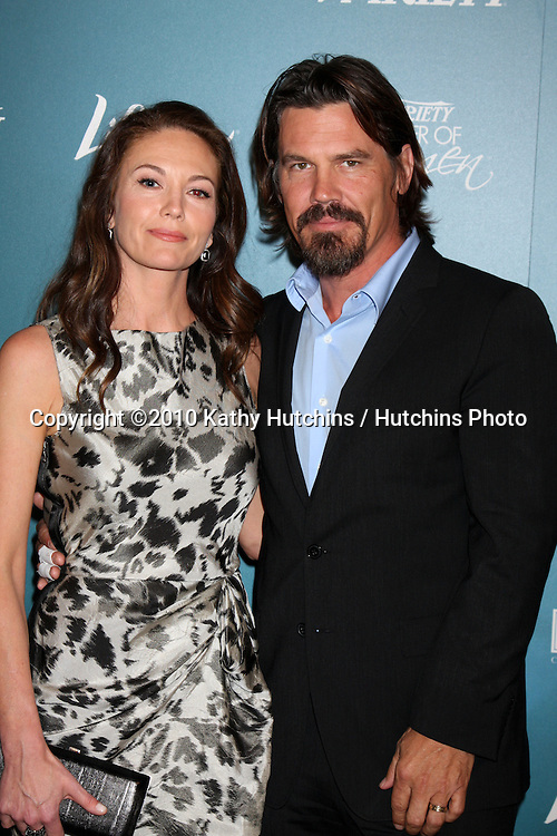 LOS ANGELES - SEP 30:  Diane Lane, Josh Brolin arrives at  Variety's 2nd Annual Power of Women Luncheon at Beverly Hills Hotel on September 30, 2010 in Beverly Hills, CA