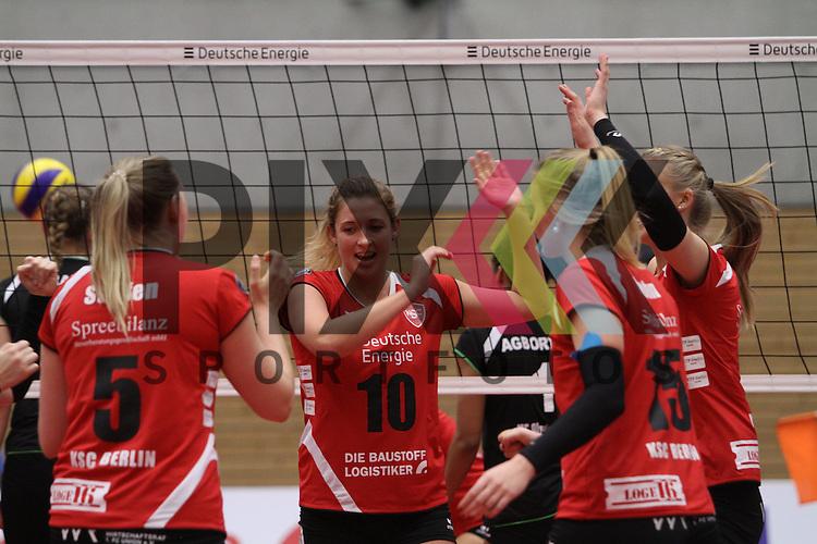 Koepenicks Sarah Wickstrom jubelt beim Spiel in der Volleyball Bundesliga, Koepenicker SC Berlin  - VCO Berlin.<br /> <br /> Foto &copy; PIX-Sportfotos *** Foto ist honorarpflichtig! *** Auf Anfrage in hoeherer Qualitaet/Aufloesung. Belegexemplar erbeten. Veroeffentlichung ausschliesslich fuer journalistisch-publizistische Zwecke. For editorial use only.