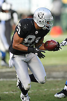 December 18, 2011 Oakland, CA: Oakland Raiders wide receiver Chaz Schilens #81 during an NFL game played between the Oakland Raiders and the Detroit Lions at O.co Coliseum. The Lions defeated the Raiders 28-27.